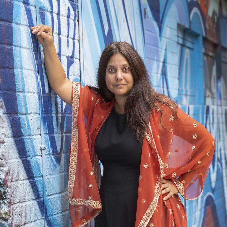 Portrait der Autorin Mithu Sanyal